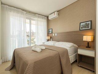Apartamento de Luxo 3 dorms 6 pessoas Condominio com Piscina Climatizada - Boule