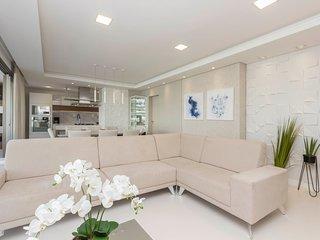 Luxuoso Apto 4 dorms 10 pessoas - Condomínio com Área de Lazer, Sauna e Piscina