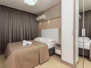 Excelente Apto 3 dorms 6 pessoas Condomínio com Piscina Climatizada - Boulevard
