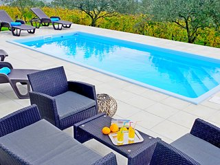Apartment Jadranka with private pool and wonderful view