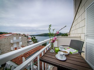 Apartment near Sea in Pomena