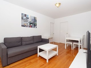 Wonderful 2 BR on the Upper East Side