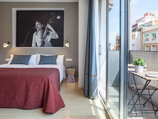 Modern apartment with terrace in Eixample