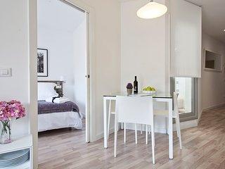 Quiet & cosy apartment next to Magic Fountain