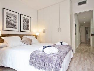 Quiet 2 bedroom next to Camp Nou