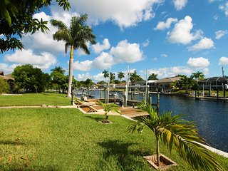 Villa Manatee, waterfront with captains walk and access to the gulf of Mexico