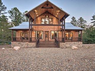 Williams Peak' Cabin w/ Sunrise & Mtn Views!
