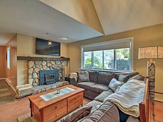 Condo w/ Deck & Grill < 5 Miles to Loon Mountain!
