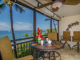 25% OFF! Remodeled oceanfront condo with stunning views, in town, Kona Alii 403