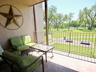 Hill Country Hideout - 3BDR/3BTH- Sleeps 10!