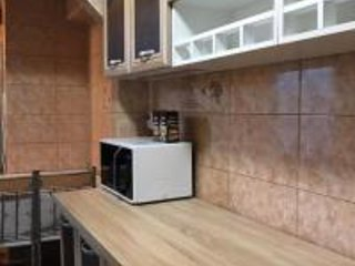 Academy Deluxe Apartment, holiday rental in Pantelimon