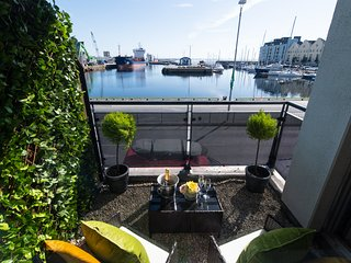 Sea View - Luxury City Center Apartment - Best Location
