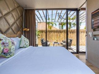 Elegant 1Bedroom Smart Home Beach Nearby