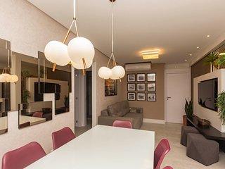 Moderno Apto em Condominio com Piscina no Rooftop - 3 dorms 8 pessoas - Porto Ma