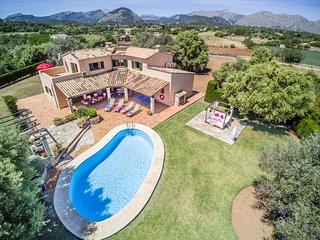 Deluxe Villa Tia con Piscina Gigante y Vacaciones Espectaculares