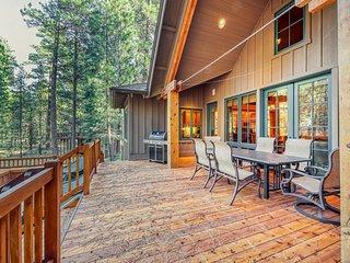 NEW LISTING! Elegant, charming home w/ 2-level deck & shared pool/tennis/golf!