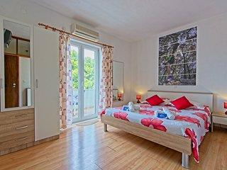 Apartment with Balcony in Pomena - Matana Pomena A4