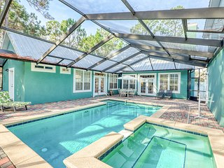 Serenity in Seagrove Beach w/ private pool, pool spa, enclosed yard, guest suite