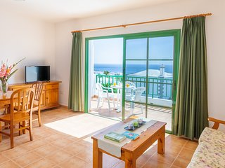Lovely island home w/ free WiFi, furnished balcony w/ sea views, & private pool!