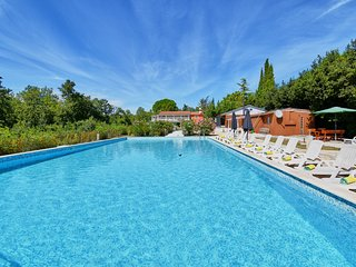 Villa Al Parco - Six Bedroom Villa with Swimming Pool