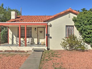 Charming Home 1.2 Mi to Old Town Albuquerque!