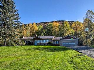 Mountainside Family Home, 4 Mi to Elmore Lake