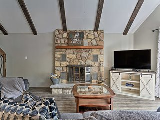 Home w/ Fire Pit & Game Room, 400ft to Lake!