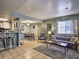 Luxury Condo w/ Furnished Patio - 3Mi to Old Town!
