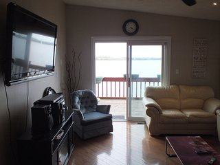 Lakefront Cottage , 6 BR , Breathtaking View
