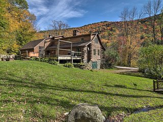 Picture-Perfect Vermont Mtn Cabin w/ Hot Tub!
