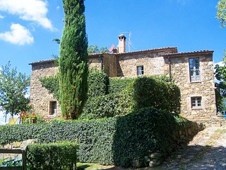 Castiglioncello del Trinoro Villa Sleeps 10 with Pool - 5816628