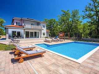 5 bedroom Villa with Pool, Air Con and WiFi - 5816910