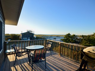 Truro Waterfront Cottage 150' to Private Beach