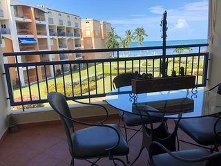 Be enchanted by our Hac del Club Golf & Playa condo, pool, beach, wifi