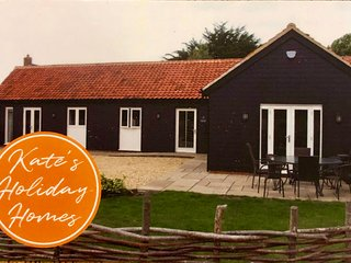 Pet, Child & Disabled Friendly Single Storey Barn in Beautiful North Norfolk
