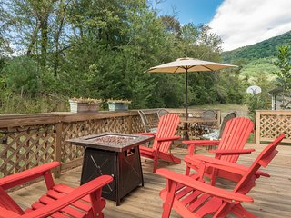 East Asheville, Views, Fire Pit, Parkway Large House