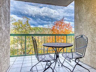 Riverfront condo w/ shared seasonal pool & gas fireplace - in the heart of town!