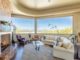 Palatial & Immaculate All-Suite Tuscan Home with Private Pool, Spa & Theater
