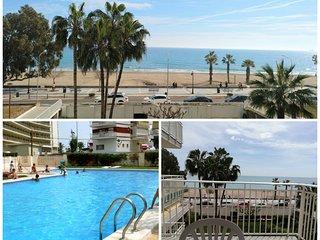 Apartamento Benicássim en 1era línea de Playa con vistas al mar. 4 huéspedes.