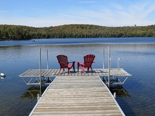 Beautiful Views, Amazing Sunsets (3 Bedroom Lakefront Cottage)