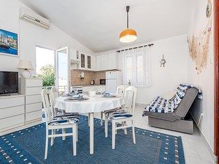Nice apartment in Brodarica w/ 1 Bedrooms (CDJ678)
