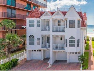 Pete & Ron's Beach House -Steps To The Beach-