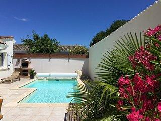 Villa avec piscine privée chauffée à Marennes 5mn de l'ile d' Oléron et plages