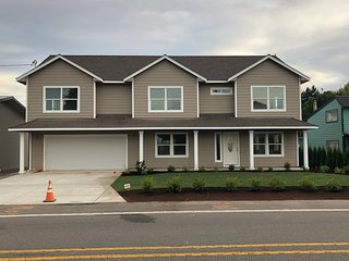 Spacious New Home, Oregon 3D Art View House Pet/Family Friendly