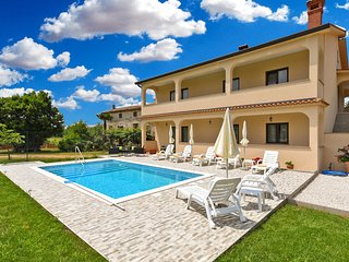 Awesome home in Dvori w/ Outdoor swimming pool and 3 Bedrooms