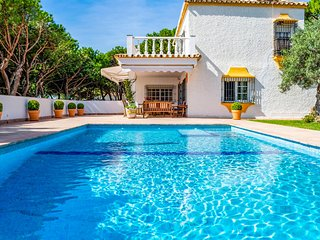 Stunning home in Marbella w/ Outdoor swimming pool, Outdoor swimming pool and 6