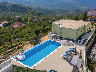 Awesome home in Zagvozd w/ Outdoor swimming pool and 3 Bedrooms (CDC372)