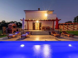 Stunning home in Barban w/ Outdoor swimming pool and 2 Bedrooms (CIC609)