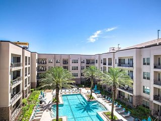 Brand NEW modern condo | pool | Very quiet & safe