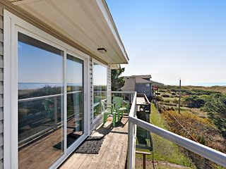 NEW LISTING! Oceanfront motel suite w/ wonderful views, deck & kitchen - dogs OK
